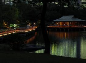 浜離宮恩賜庭園 「中秋の名月と灯り遊び」