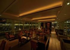 T.Y HARBOR River Lounge